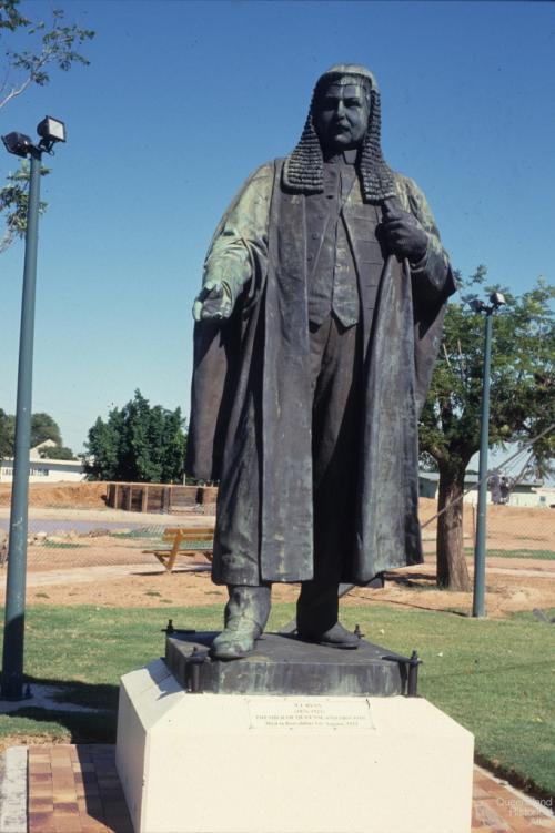 T.J. Ryan statue in Barcaldine, 1994