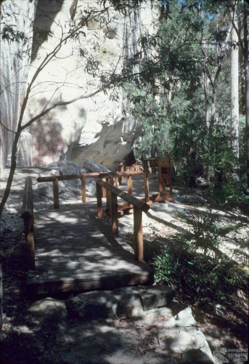 Aboriginal art, Carnarvon Gorge, 1979