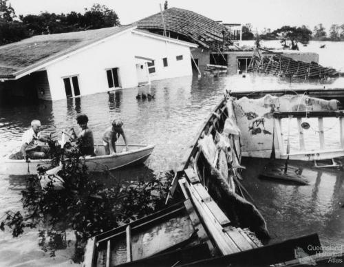 Submerged home at Yeronga, 1974
