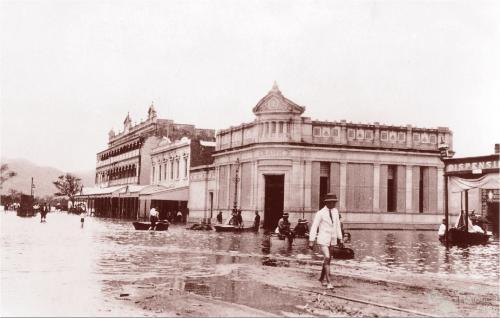 Going to work, Rockhampton flood, 1918