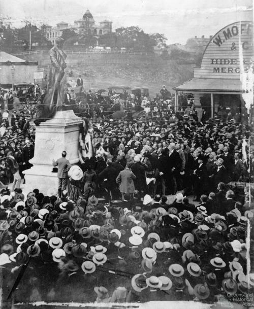 Unveiling the T. J. Byrnes statue, Brisbane 1902