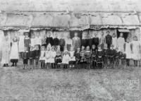 Byrnestown commune school, 1895
