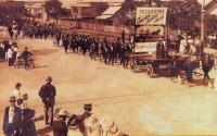Eight Hour Day procession, Rockhampton, c1913