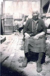 Clara Lahood Joseph